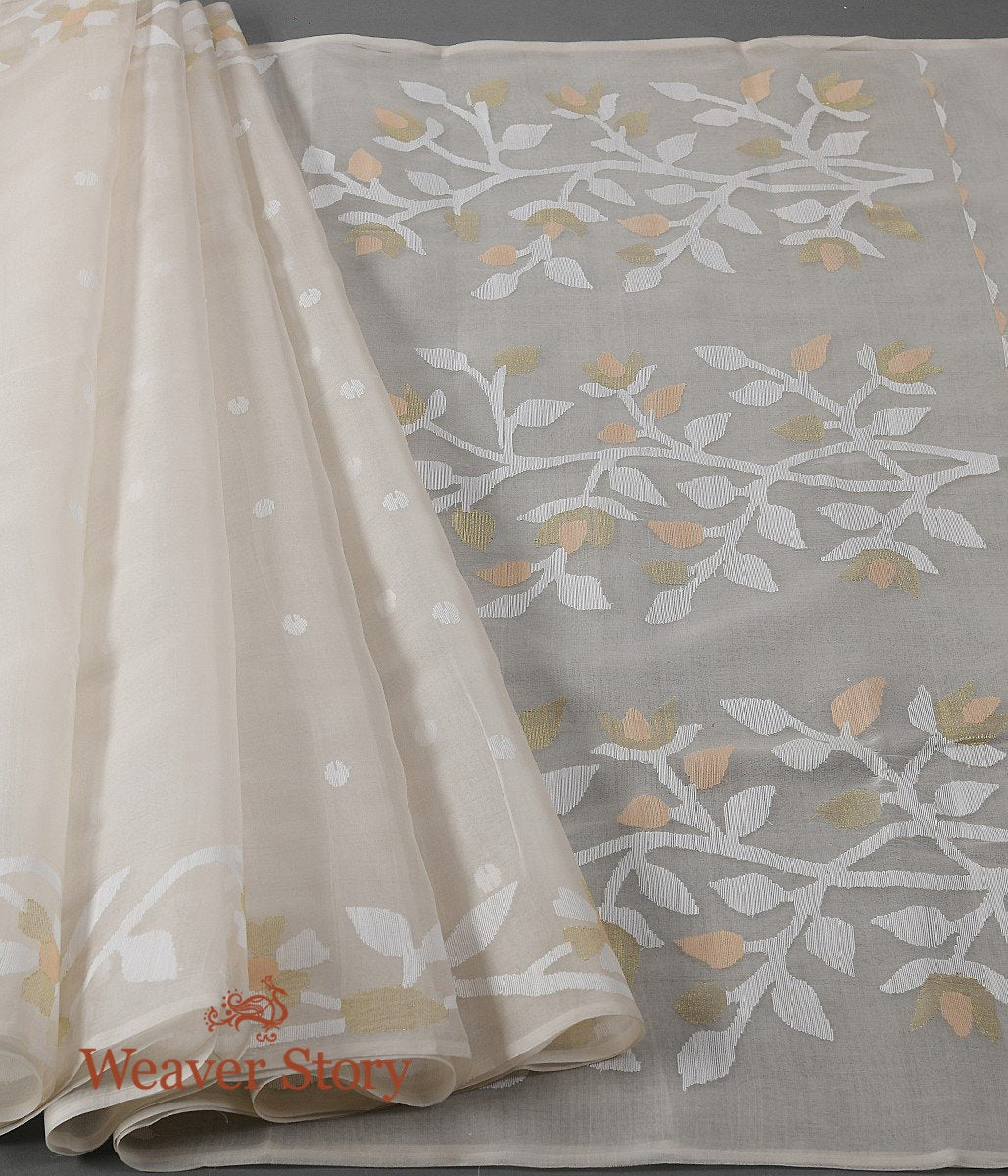 Handwoven Offwhite Dhakai Jamdani Saree with White Booti and Heavy Pallu