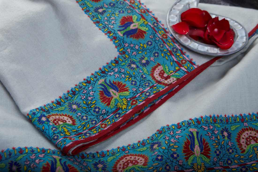 Pashmina Ivory Shawl with turquoise border