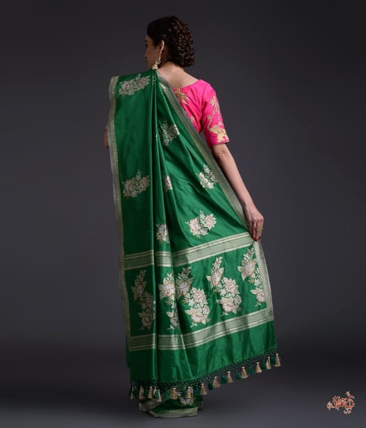 Green kadhwa boota saree with small border
