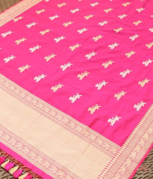 Hot Pink Katan Silk Dupatta With Kadhwa Booti And Border Pallu Dupatta