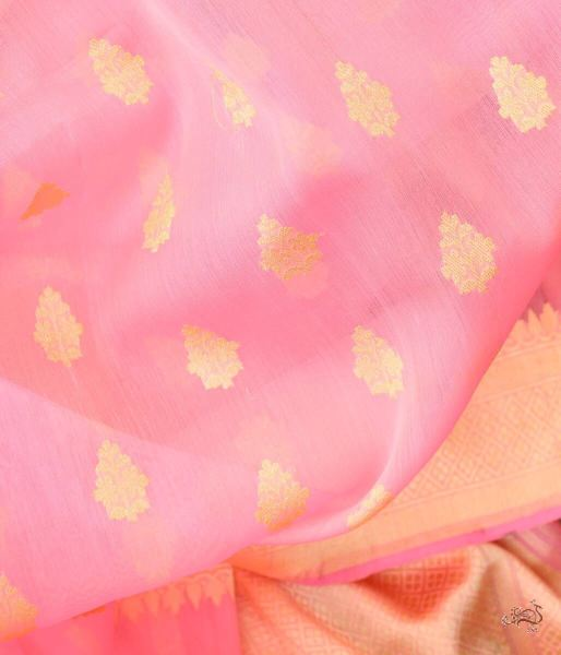Handwoven Pure Kora Dupatta With Delicate Leaf Motifs