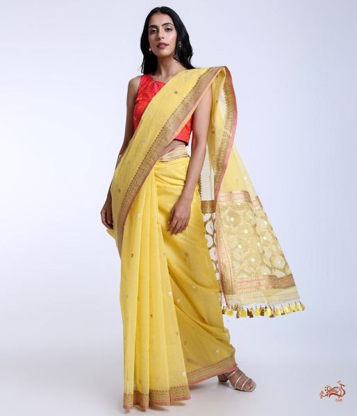 Handwoven Banarasi Kora Cotton Saree With Kadhwa Booti