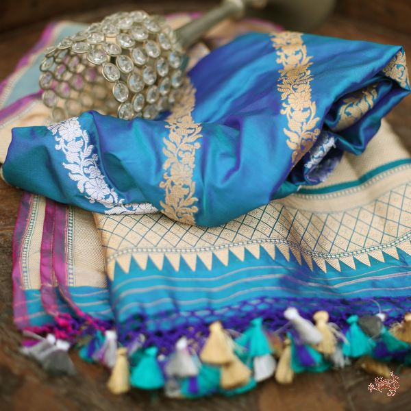 Royal Blue Aada Bel Dupatta With Gichcha Yarn Weave Dupatta
