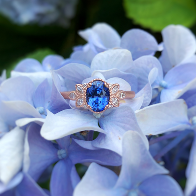 Fae - Oval Cornflower Blue Sapphire Vintage Inspired Engagement Ring | Rose Gold