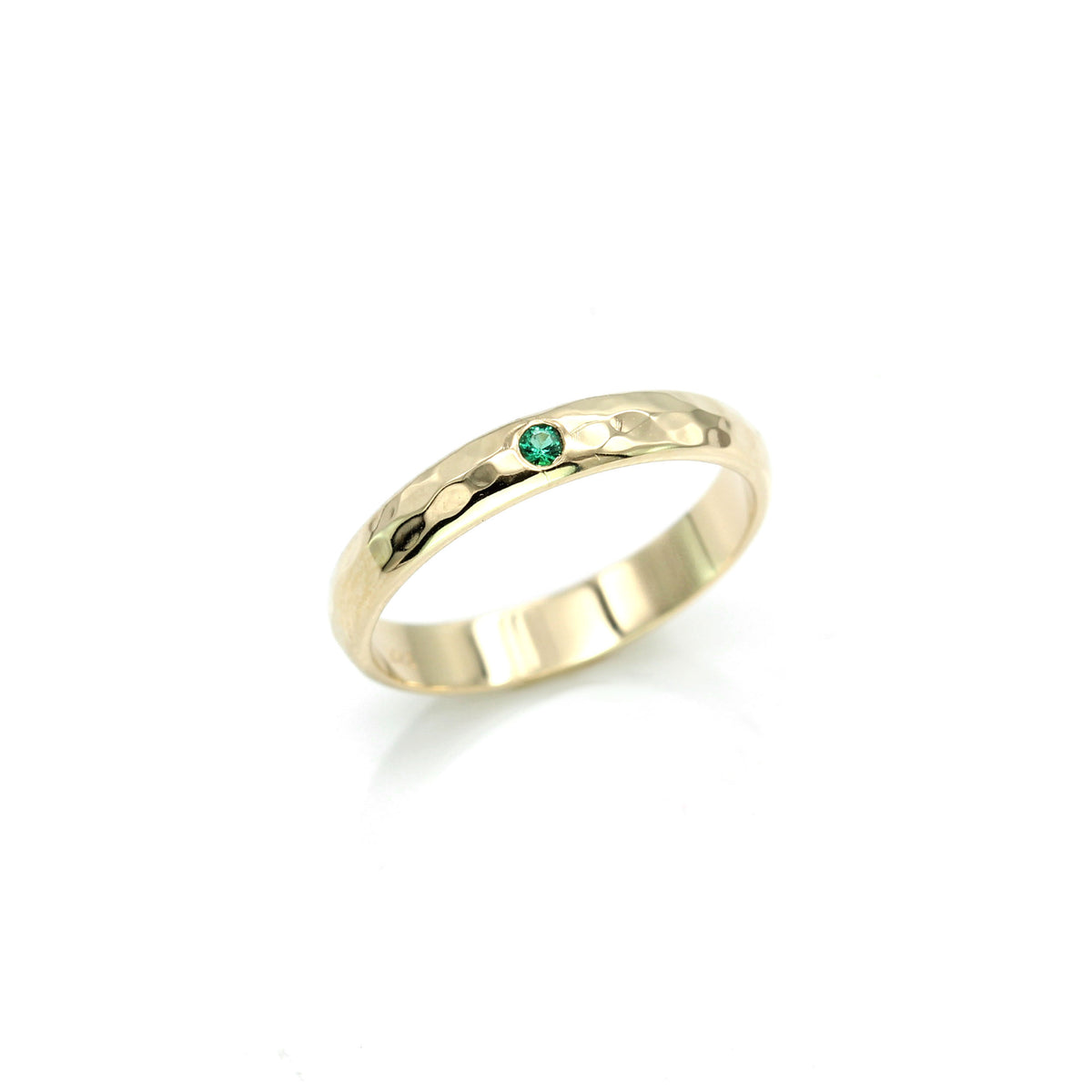 Emerald Hammered Ring Band - Yellow Gold