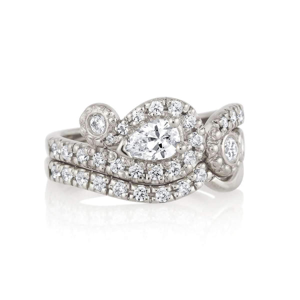 Sparkling Waves - Pear Diamond Pavé Engagement Ring & Wedding Band Set