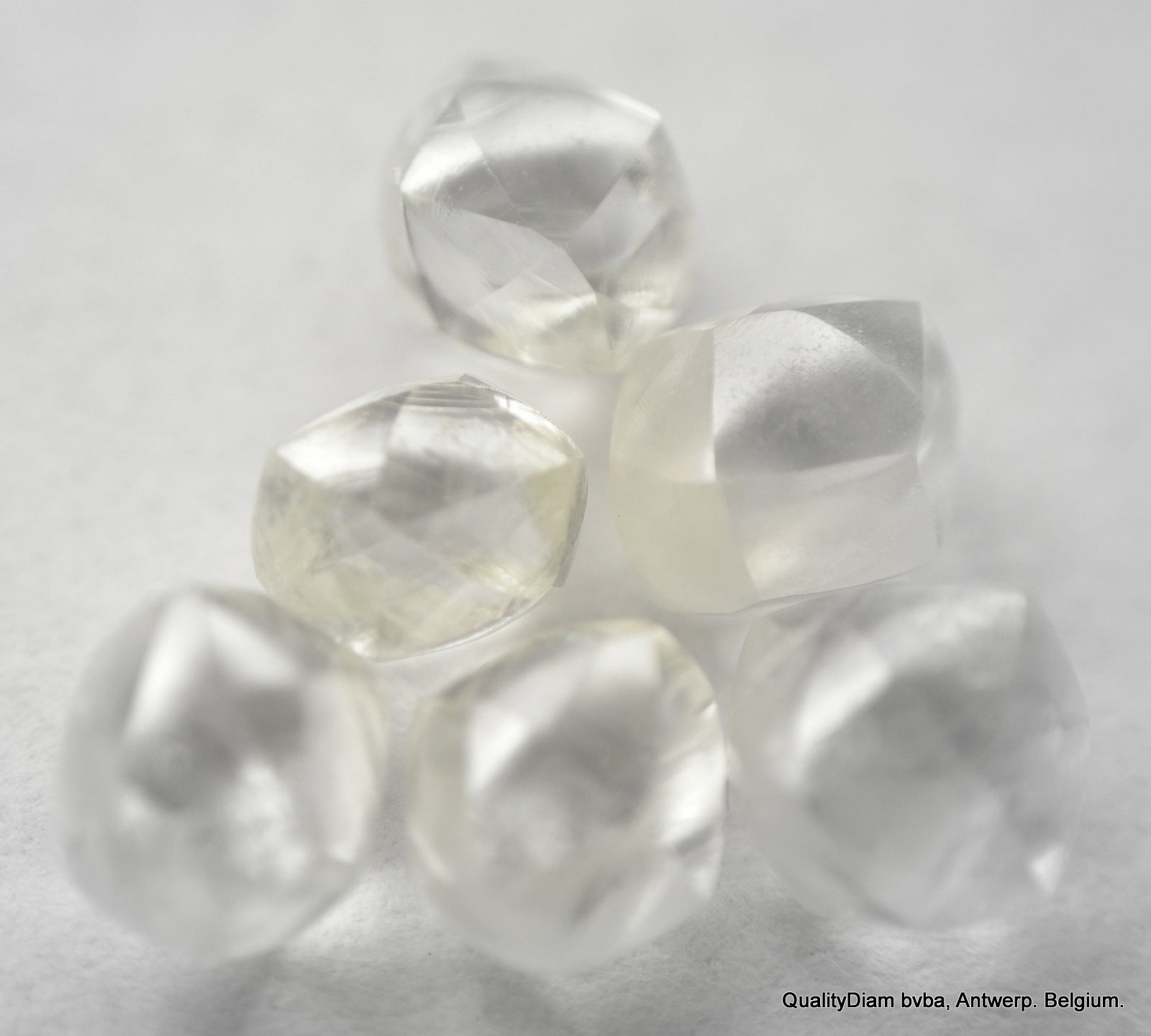 1.67 Carat Rough Diamonds Out from Diamond Mines, Natural Diamond