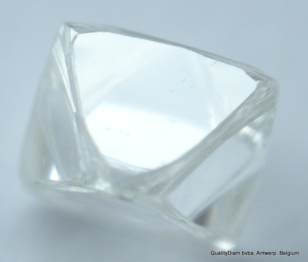 D Vvs1 0.22 Carat Octahedron Diamond Out From Diamond Mine