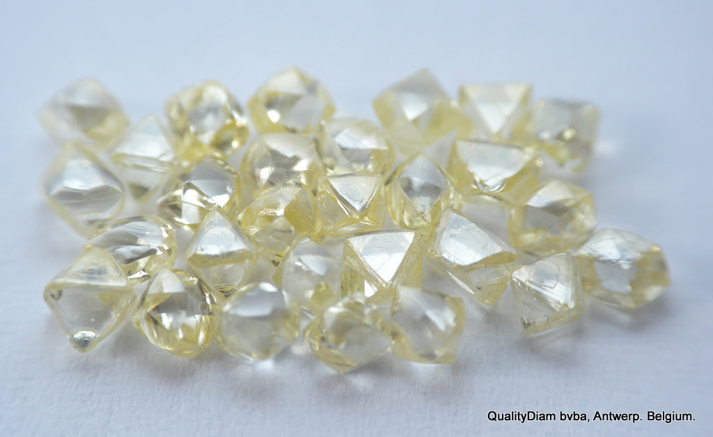 4.24 CARAT SELECTION OF BEAUTIFUL NATURAL DIAMONDS OUT FROM DIAMOND MINES