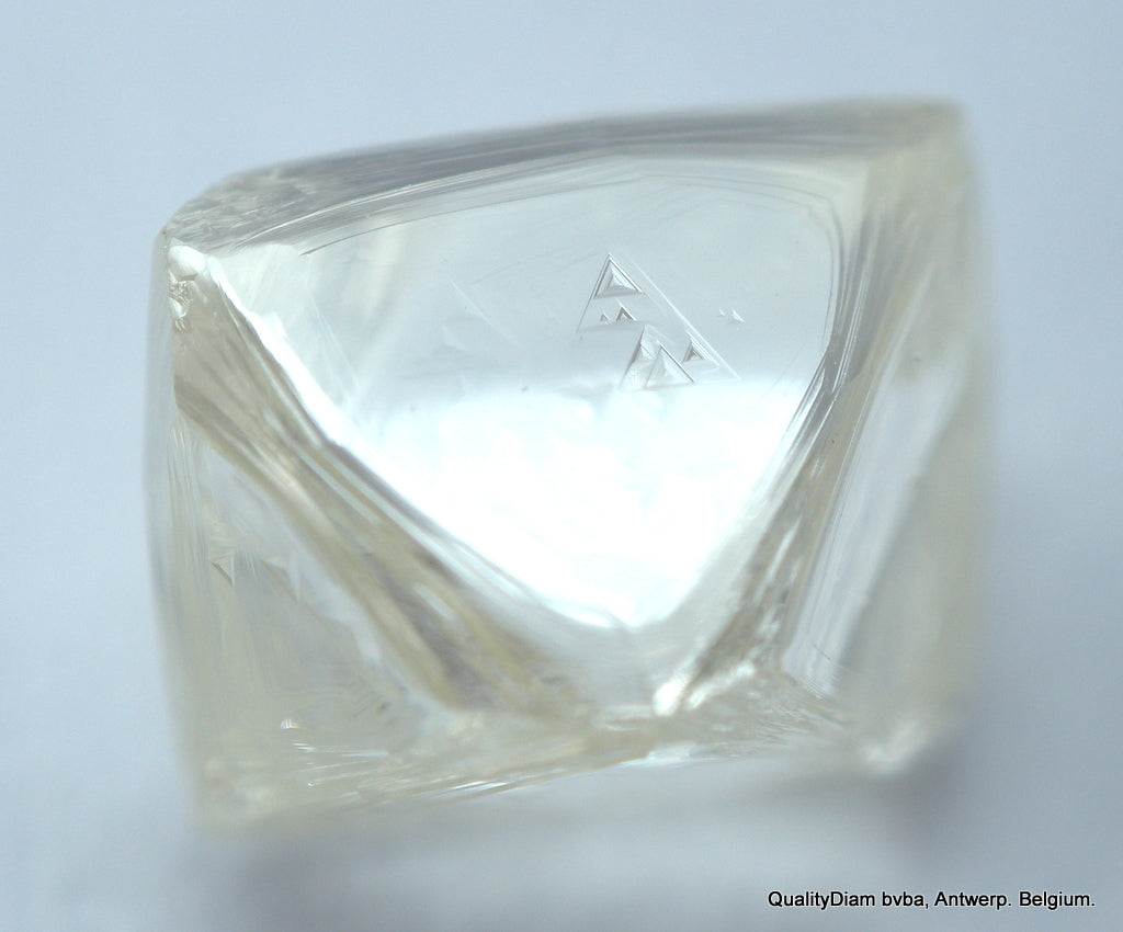 H VS2 1.66 CARAT OCTAHEDRON SHAPE OUT FROM DIAMOND MINE. NATURAL GEM DIAMOND