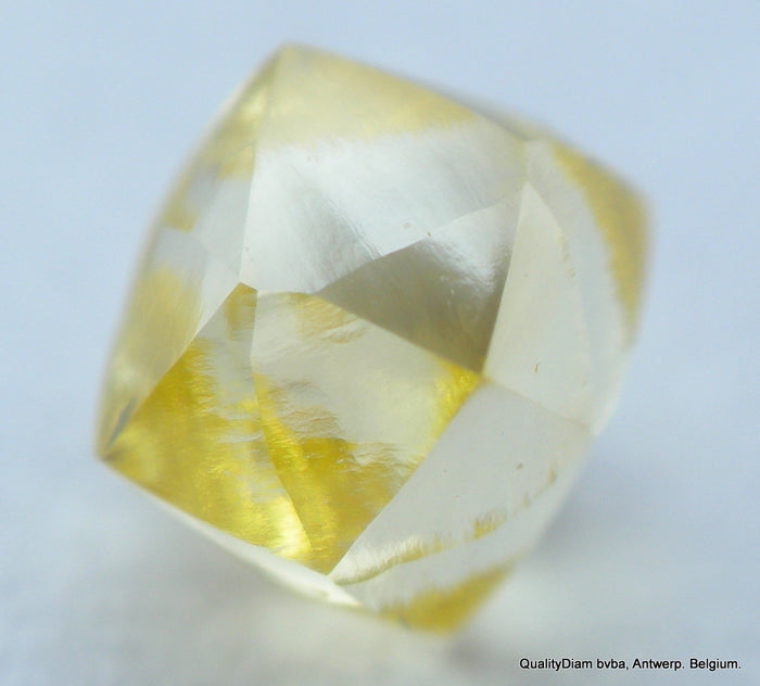 vivid fancy natural yellow diamond