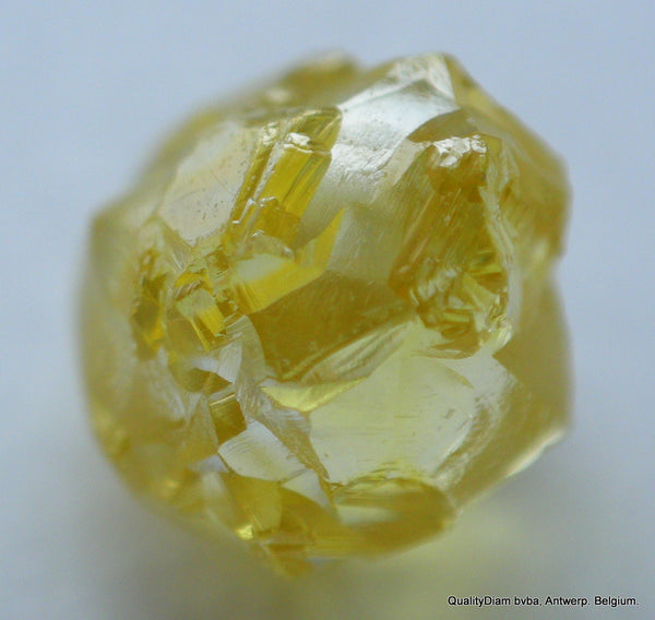 vivid fancy yellow diamond
