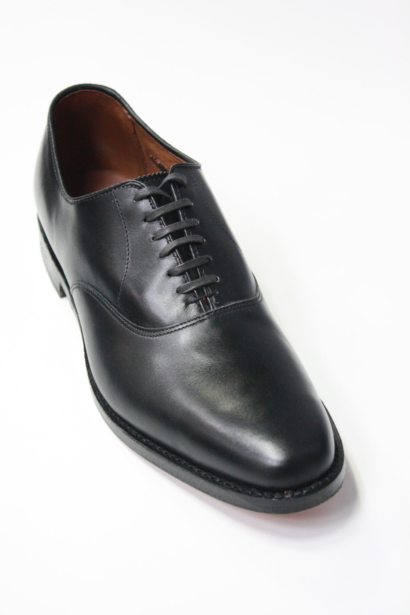 Carlyle Plain-Toe Oxford