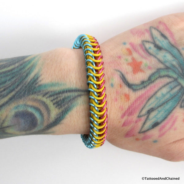 Pansexual pride stretchy bracelet, chainmaille box chain - Tattooed and Chained Chainmaille  - 4