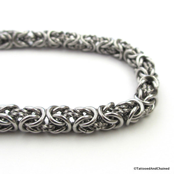 Stainless steel chainmaille bracelet, Byzantine weave with twisted links - Tattooed and Chained Chainmaille  - 3