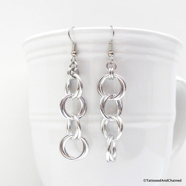 Möbius chain dangle chainmaille earrings - Tattooed and Chained Chainmaille  - 4