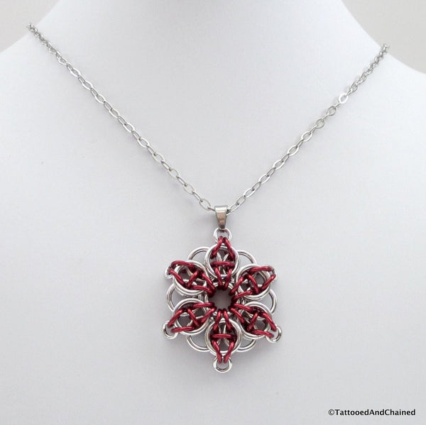 Red chainmaille pendant, Celtic star - Tattooed and Chained Chainmaille  - 3