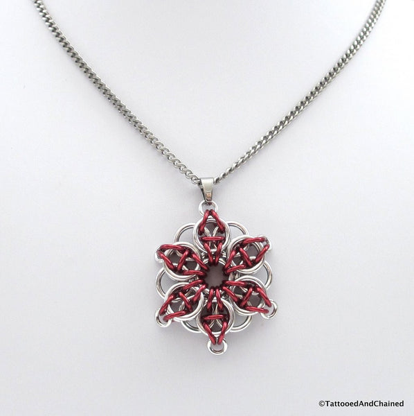 Red chainmaille pendant, Celtic star - Tattooed and Chained Chainmaille  - 4