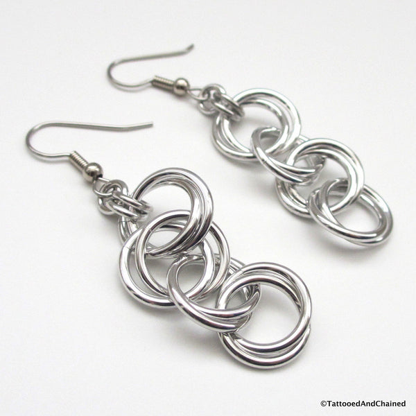Möbius chain dangle chainmaille earrings - Tattooed and Chained Chainmaille  - 5