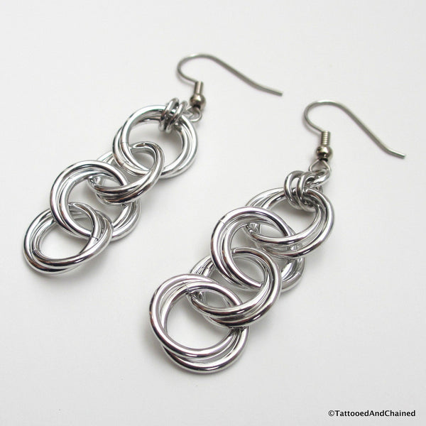 Möbius chain dangle chainmaille earrings - Tattooed and Chained Chainmaille  - 3