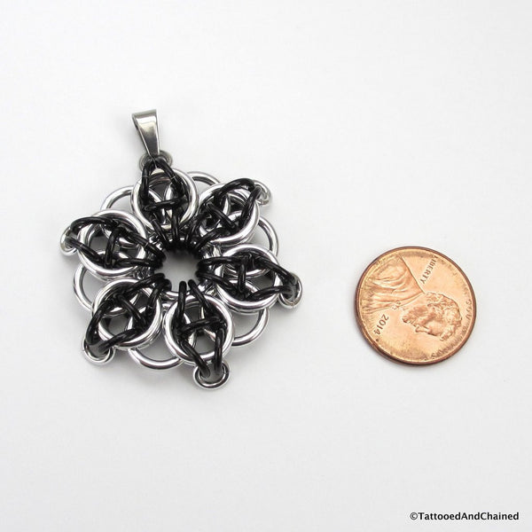Black chainmaille pendant, Celtic star - Tattooed and Chained Chainmaille  - 5