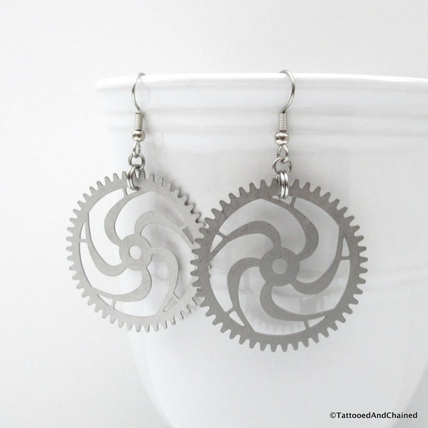 Large steampunk gear earrings, 5 spoke spiraled gear - Tattooed and Chained Chainmaille  - 4