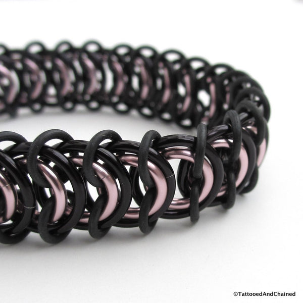 Chainmaille stretchy bracelet, vertebrae weave, pale pink and black - Tattooed and Chained Chainmaille  - 5