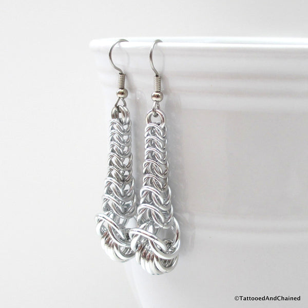 Graduated chainmaille box chain earrings - Tattooed and Chained Chainmaille  - 3