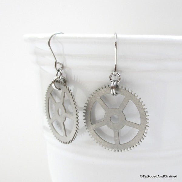 Steampunk gear earrings - Tattooed and Chained Chainmaille  - 4