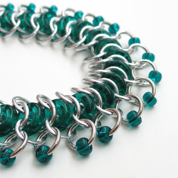 Emerald green glass chainmaille anklet - Tattooed and Chained Chainmaille  - 4