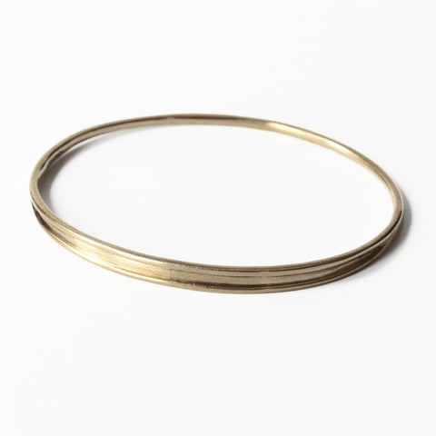 Solid Oval Ridged Bangle