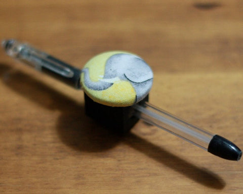 magnetic-pen-pencil-or-chalk-holder-limited-design-elephant