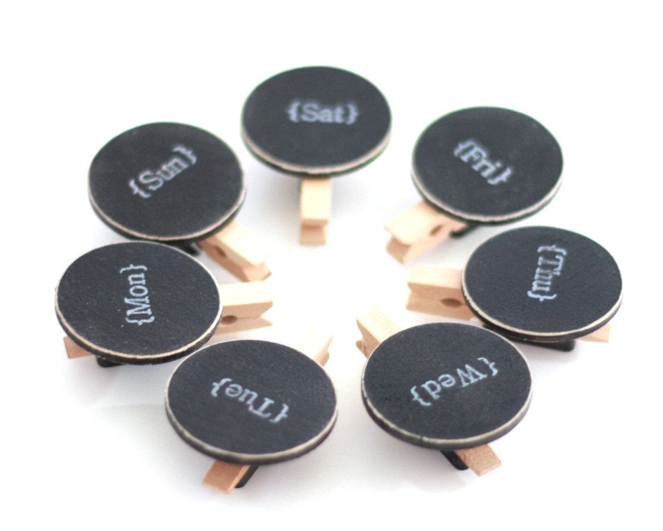 seven-day-of-the-week-mini-chalkboard-clip-magnets