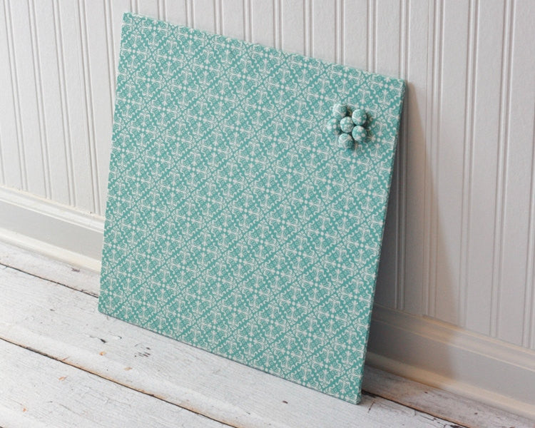 magnet-board-16inx16in-no-frame-blue-and-white-diamond-damask-fabric