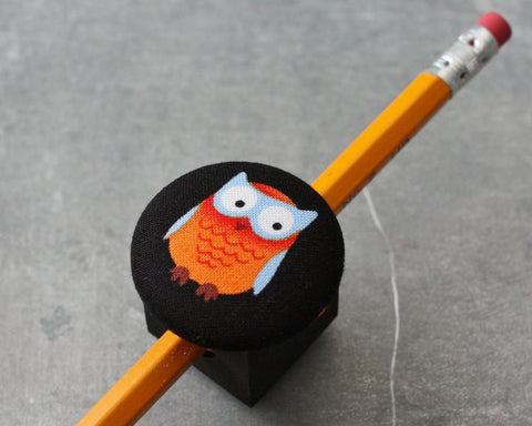 magnetic-pen-pencil-or-chalk-holder-limited-design-orange-owl
