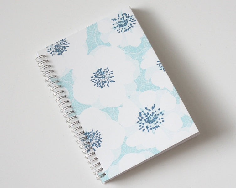 large-coupon-organizer-with-14-pockets-pre-printed-labels-included-white-flowers-on-light-blue