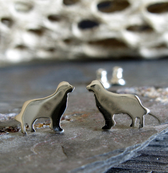 Golden Retriever tiny dog stud earrings. Handmade jewelry.