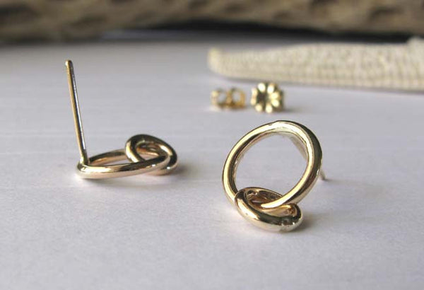 Interlocking Gold Rings Stud Earrings
