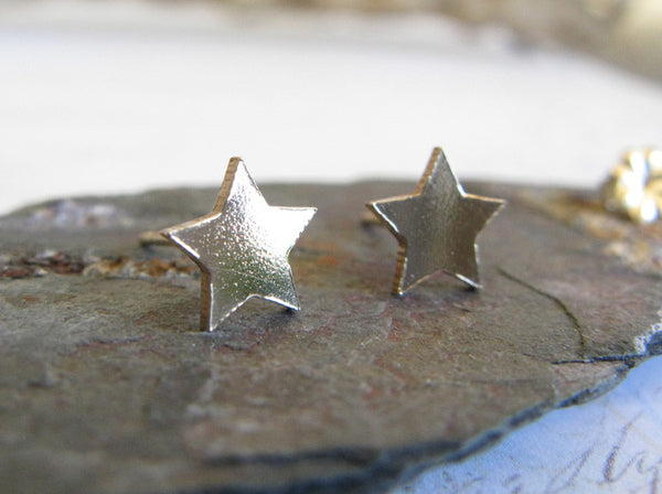 Large Star Textured Stud Earrings 14k Gold