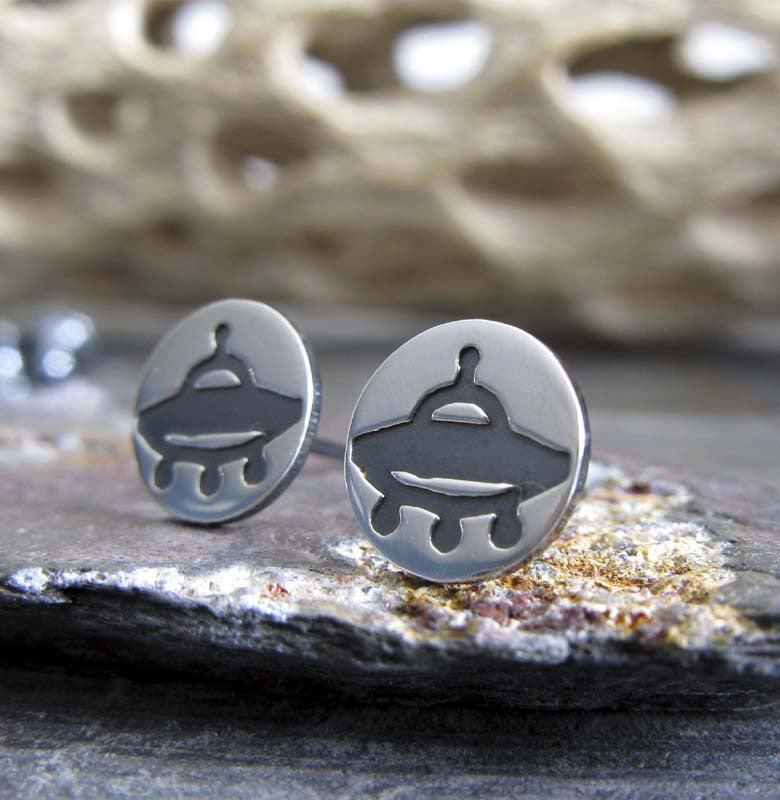 UFO Alien stud earrings. Handmade Sterling Silver geek jewelry.