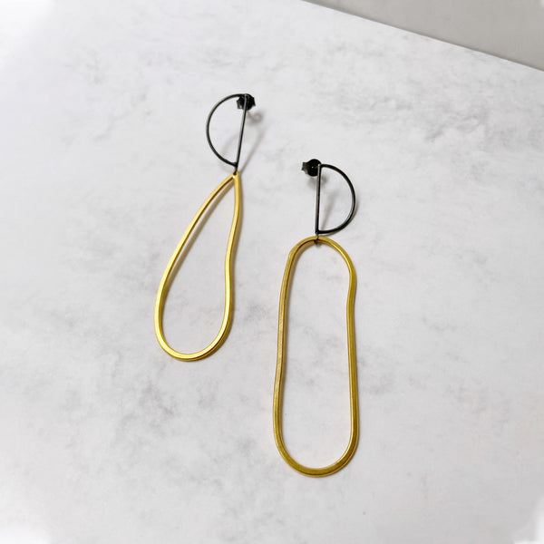 Pendientes black and gold