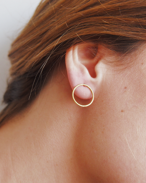 Simple Things Circulo Midi - Pendientes en plata y oro