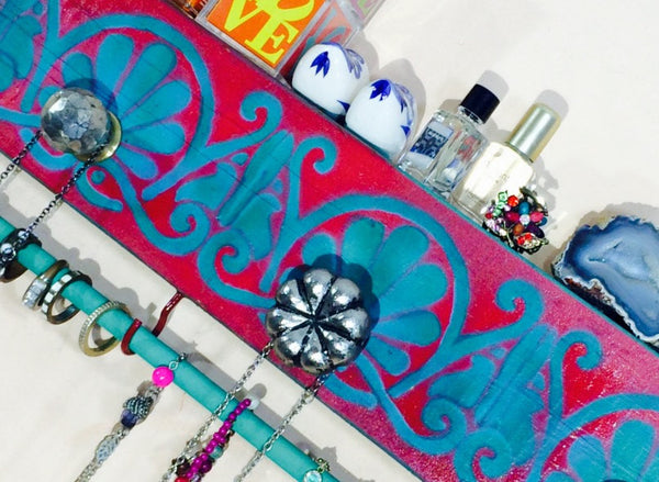 Necklace holder wall Art Deco /jewelry hanger /reclaimed wood decor jewellry storage hanging organizer 3 knobs 2 red hooks teal bracelet bar