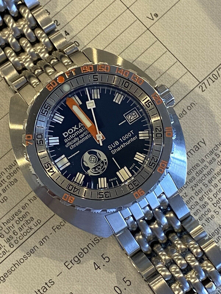 DOXA Sub RARE! 1000T COSC Sharkhunter Swiss diving watch MINT