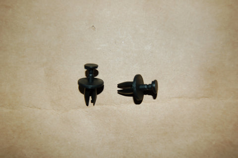 Push pin / plastic rivet for under hood body panels, common to GM   PN:14011