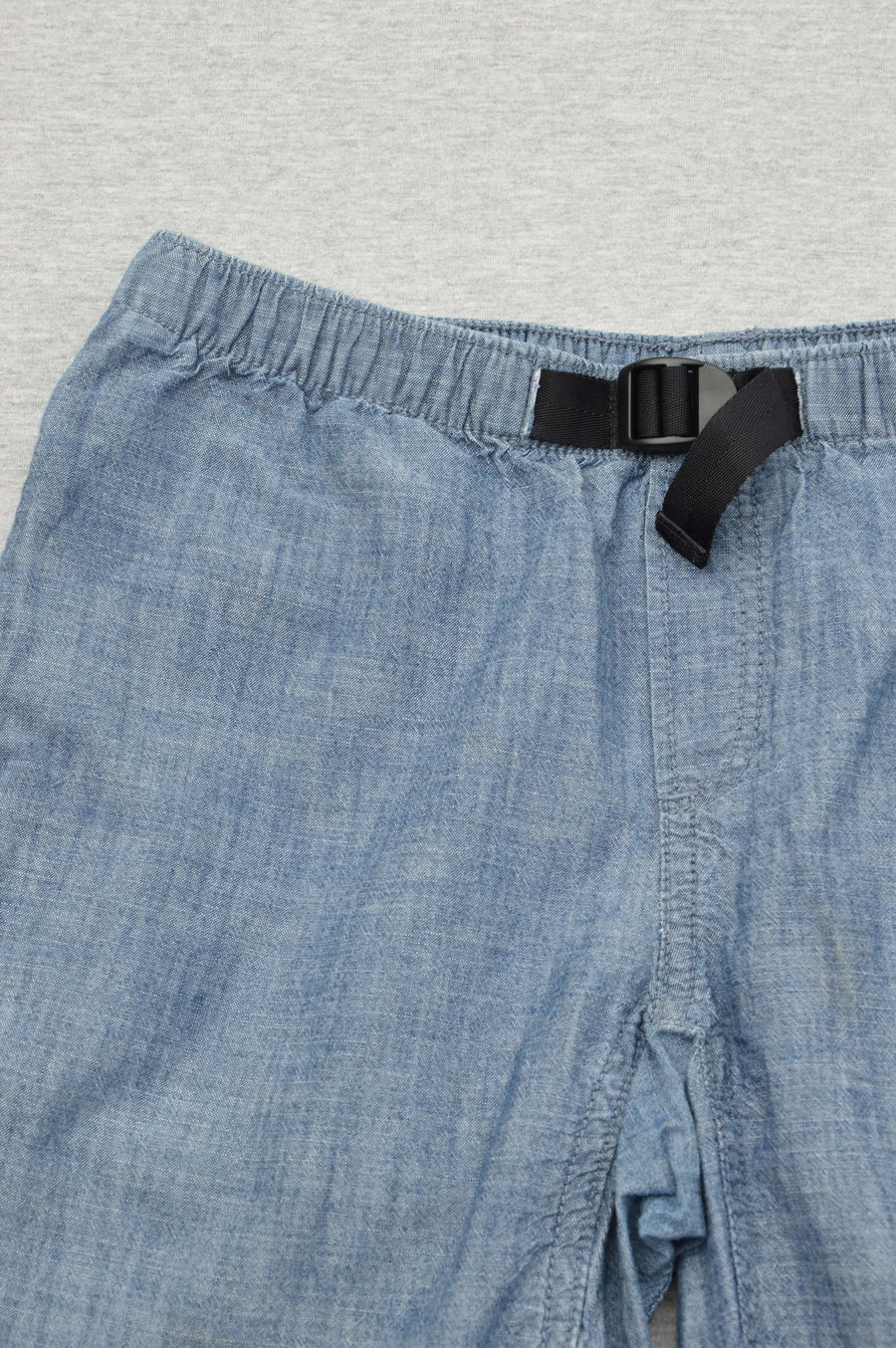 Gap blue chambray cargo shorts, size 12