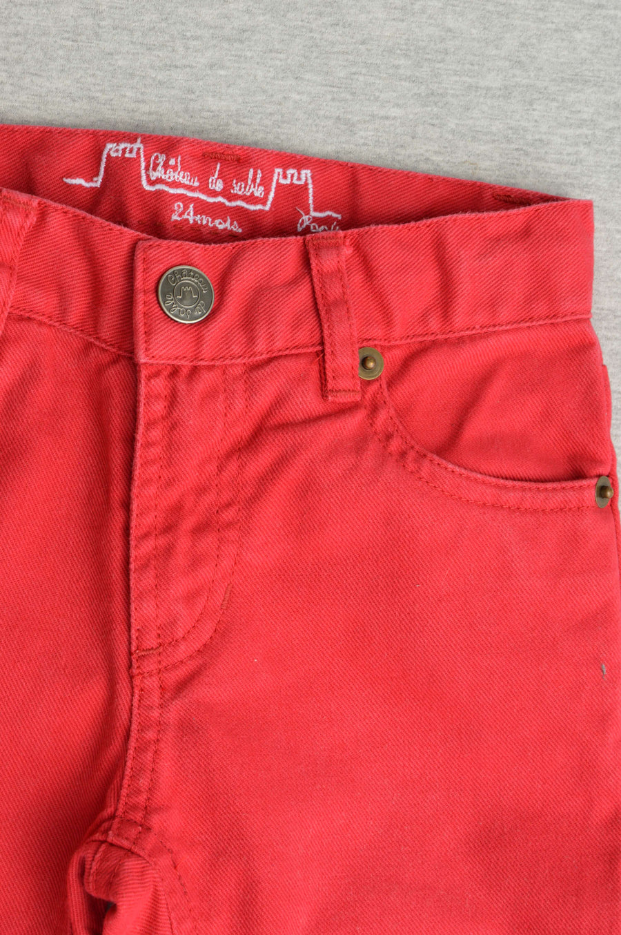 Château de Sable bright red jeans, size 2