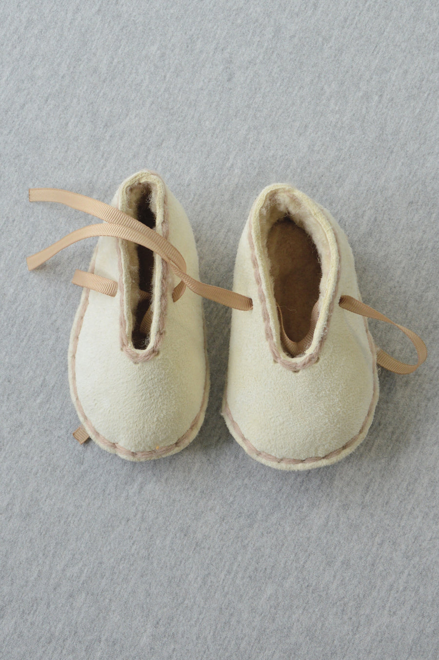 Professionally handmade - nearly new - beige suede slippers, size 9-15m