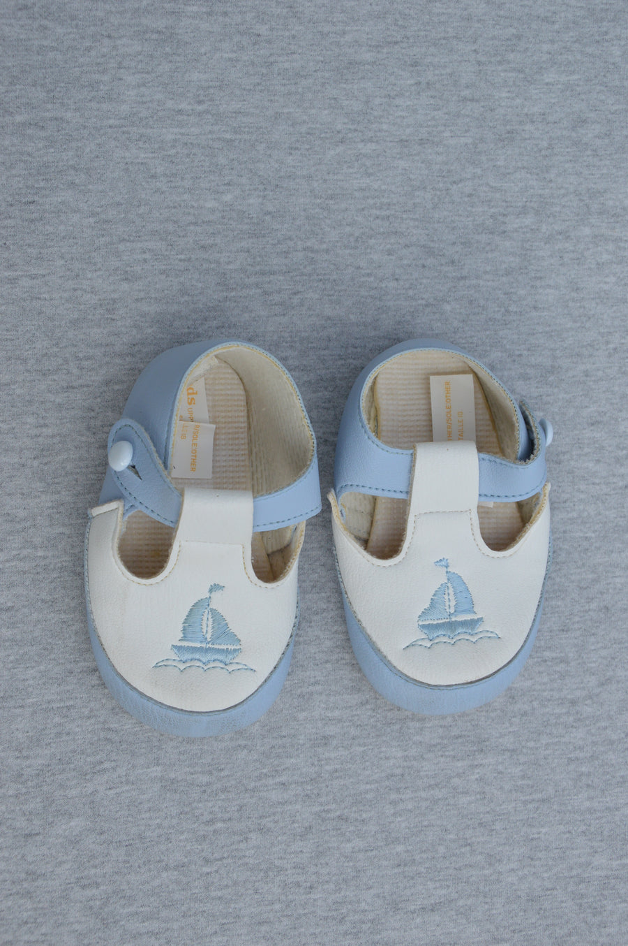 Baypods - brand new - pale blue Prince George shoes, size NZ 2
