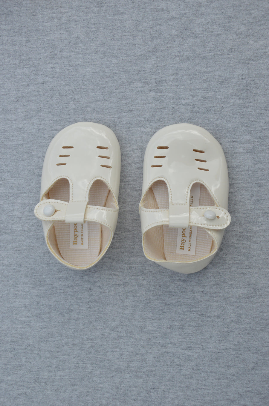 Baypods - brand new - white patent Princess Charlotte shoes, size NZ 1